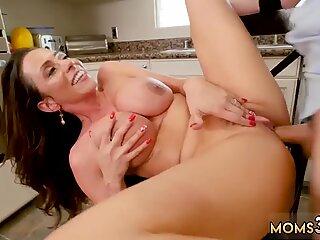 British milf masturbating Borrowing Milk From my Neighbor - Ariella Ferrera