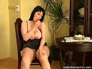 Curvy old housewife with hanging big tits and large butt