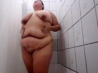 Fat latina chick showers