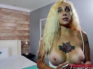 Alexis Andrews give Don prince'_s big cock a sloppy blowjob